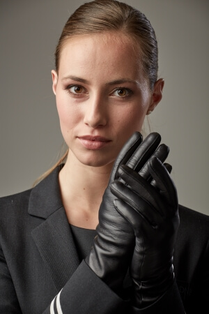 Leather gloves for airline staff