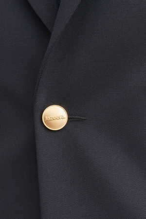Custom features on pilot uniform jackets